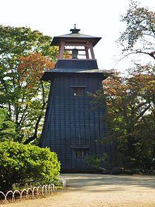 Numata_Castle_bell_tower.jpg